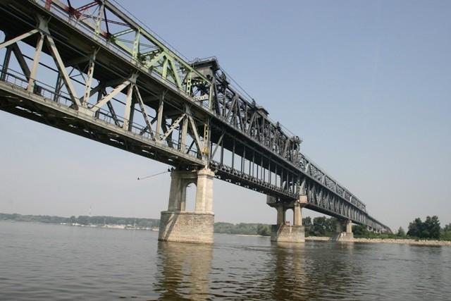 Iluzia unui nou pod peste Dunăre