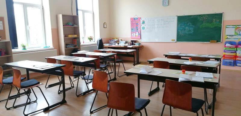 Şcoli care se închid din cauza cadrelor didactice infectate cu SARS-COV 2