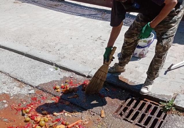 Amenzi pentru cei care aruncă reziduuri menajere în canalizările oraşului