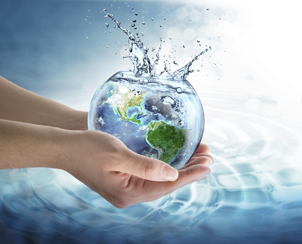Cu paşi mici spre picături de apă mari şi curate