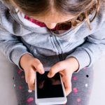 Situațiile de abuz, neglijare, exploatare a copiilor pot fi sesizate                         apelând Telefonul Copilului- 0246 983